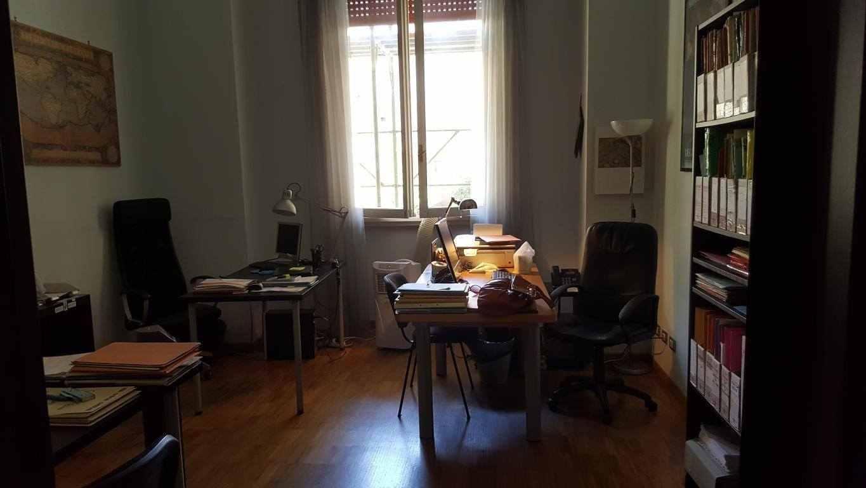Affitto stanza o postazione in Studio Legale