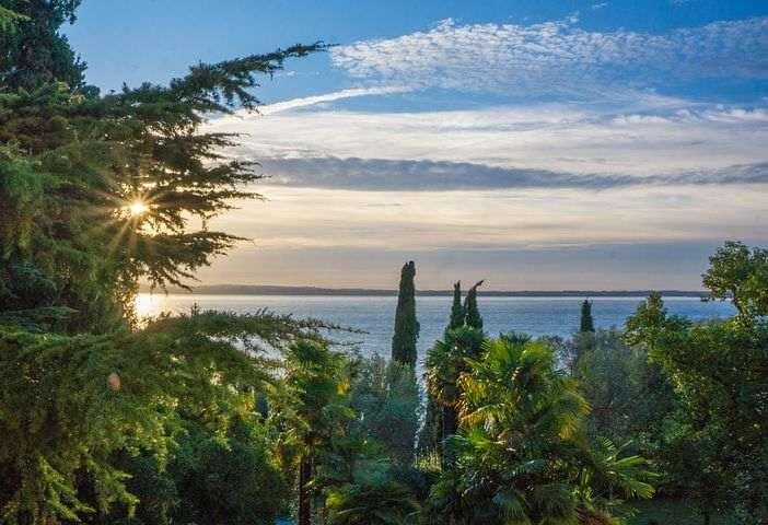 Albergo 3 stelle fronte lago di Garda Bardolino vr