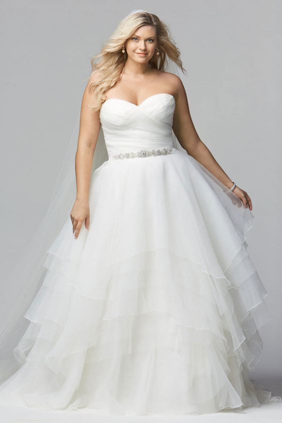 abiti da sposa oversize