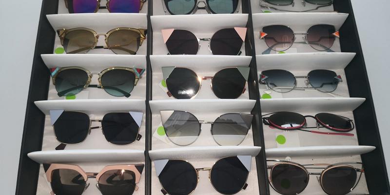 stock occhiali sole firmati