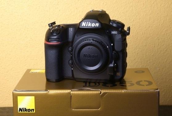 Nuova fotocamera Nikon D850 (solo corpo)