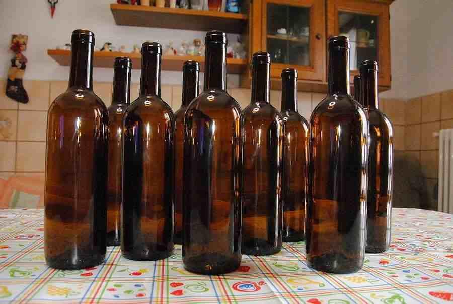 Bottiglie bordolesi in vetro