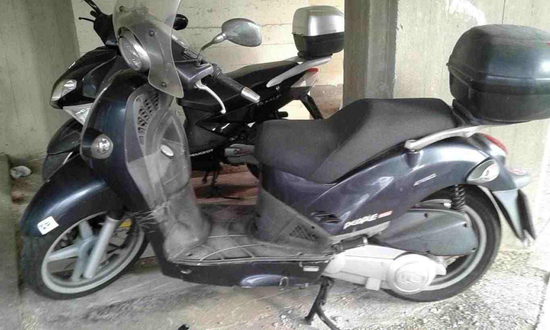 vendo scooter in buoni condizioni lascio bauletto e cupolino gomme in Buono stato