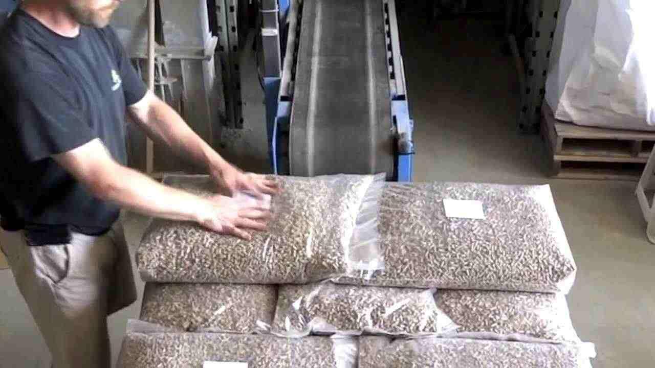 Pellet di legno SGS da 6 mm in sacchi da 15 kg e 1000 kg per la consegna immediata
