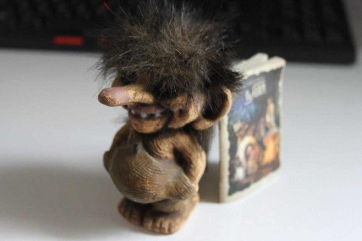"""Pupazzo da collezione Troll numero 018 &quotSmall boy"""" con etichetta vintage anni 90"""