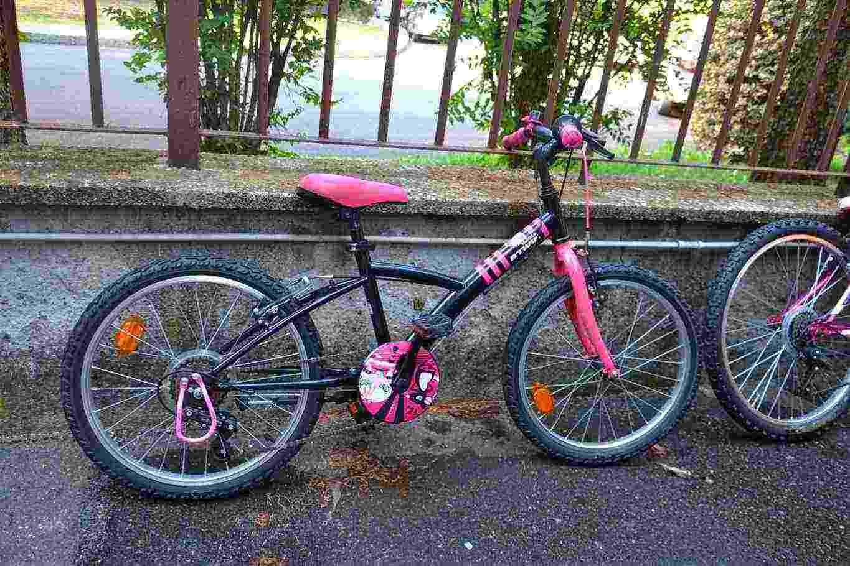 vendo bici bambina 6-8 anni