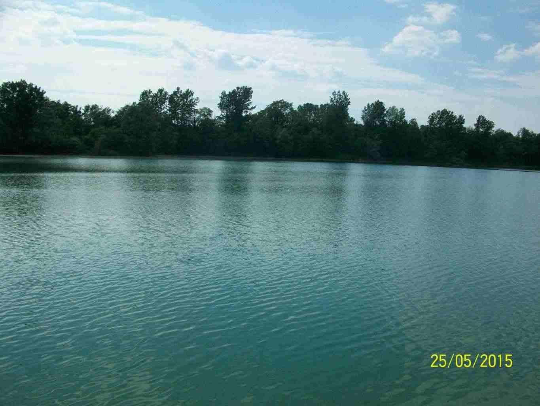 Lago di cava mq 85.000 ideale pesca sportiva € 120.000 affitto a riscatto