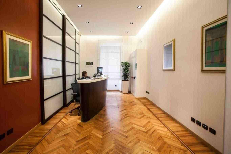 Via Veneto Affittasi Uffici pronti con Sale Riunioni a Reception all'ingresso