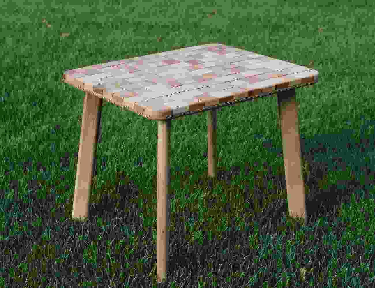 Al tavolo di quercia