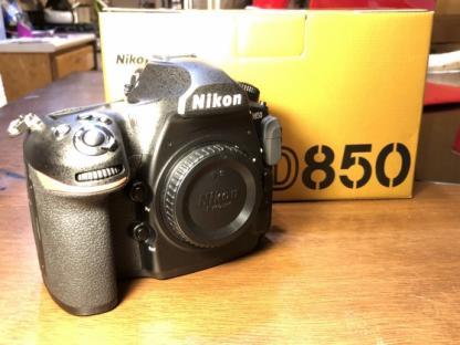 Nikon D850 DSLR   Fotocamera (solo corpo)