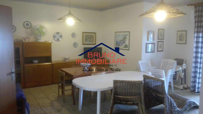 Appartamento in vendita  ad Alcamo Marina (TP)  confinante spiaggia
