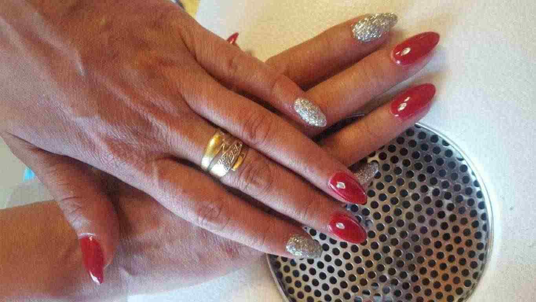 Gel unghie e semi permanente