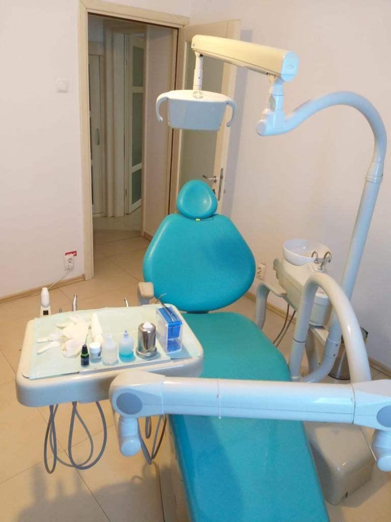 Curare bene i denti risparmiando