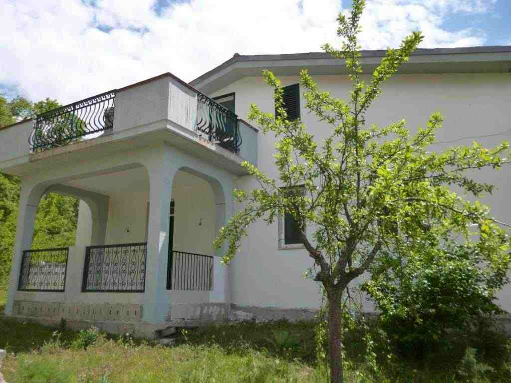 Villa indipendente a Paganica - AQ