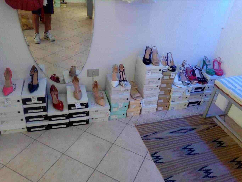 Stock scarpe estive donna